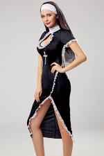 Déguisement sexy de nonne : Vous aimez braver les tabous? cette robe longue ultra sexy de religieuse et ses accessoires sont faits pour vous !